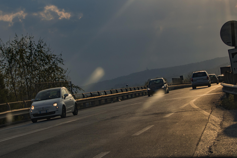 Strada pericolo al crepuscolo